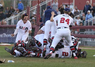 17_29170910 U-18 Baseball World Cup USA joy after winning gold medal (James Mirabelli-WBSC)