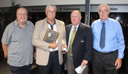 Softball formally inducts two into Hall of Fame