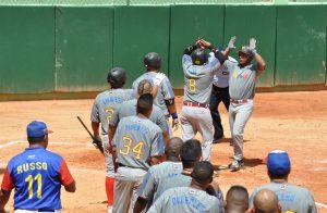 El Campeonato Panamericano de Softbol Masculino se reanuda después de la lluvia
