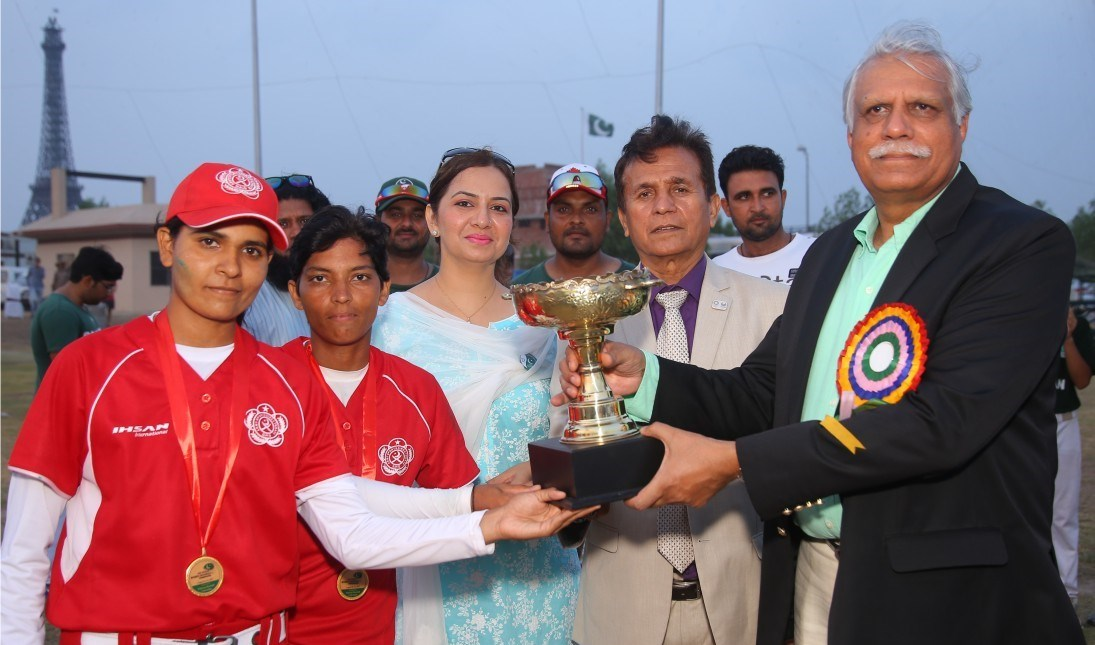 Women's Baseball: Army team wins Pakistan National Championship