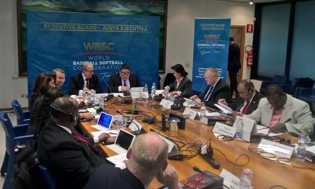 El Presidente Fraccari y el Presidente Velázquez marcaron la pauta del Ejecutivo de la División de Softbol WBSC en Roma