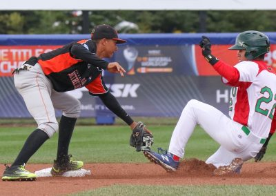20170905 U-18 Baseball World Cup Delano Selassa Netherlands Jose Castro Mexico (James Mirabelli-WBSC)