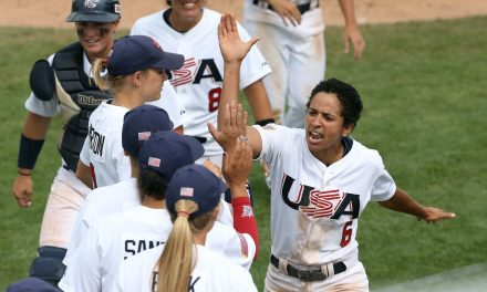 Estrellas del Equipo Nacional USA promueven el béisbol femenino en Florida