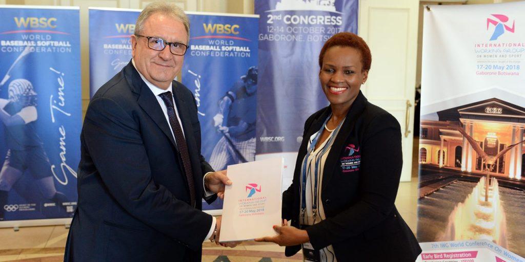 WBSC, International Working Group on Women과 함께 스포츠 양성평등 지지
