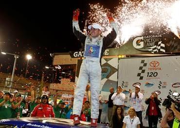 El Coche Patrocinado por la World Baseball Classic Gana la Carrera de la  NASCAR Mexico Toyota