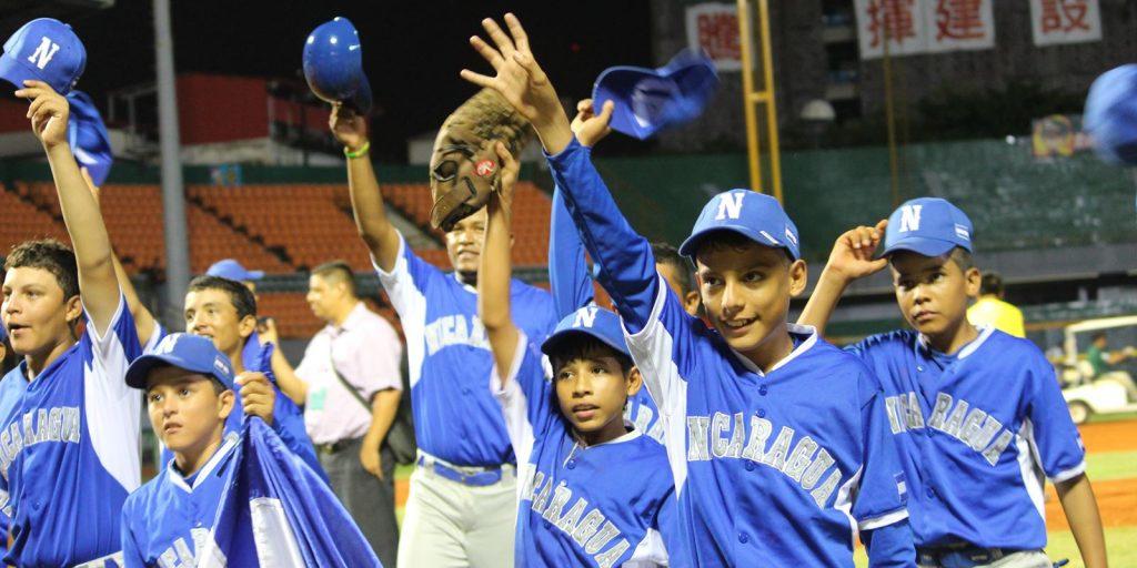 Presidente de Nicaragua da la bienvenida al Equipo Nacional tras el histórico bronce en la CM Sub-12