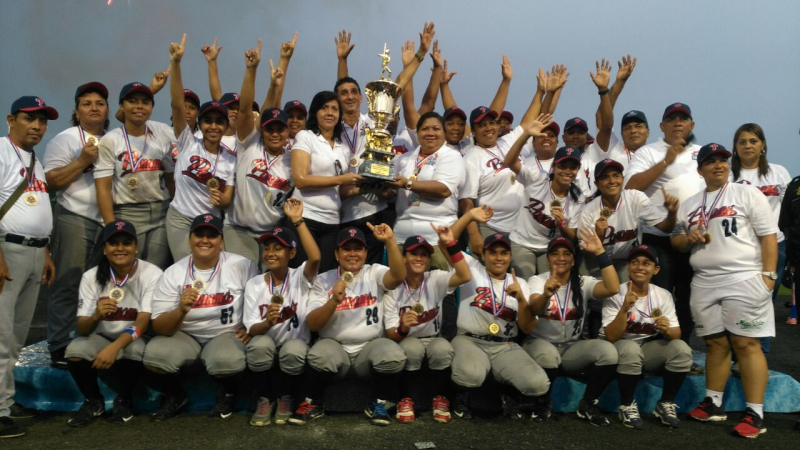 Panama crowned Central American Softball Champions in extra innings