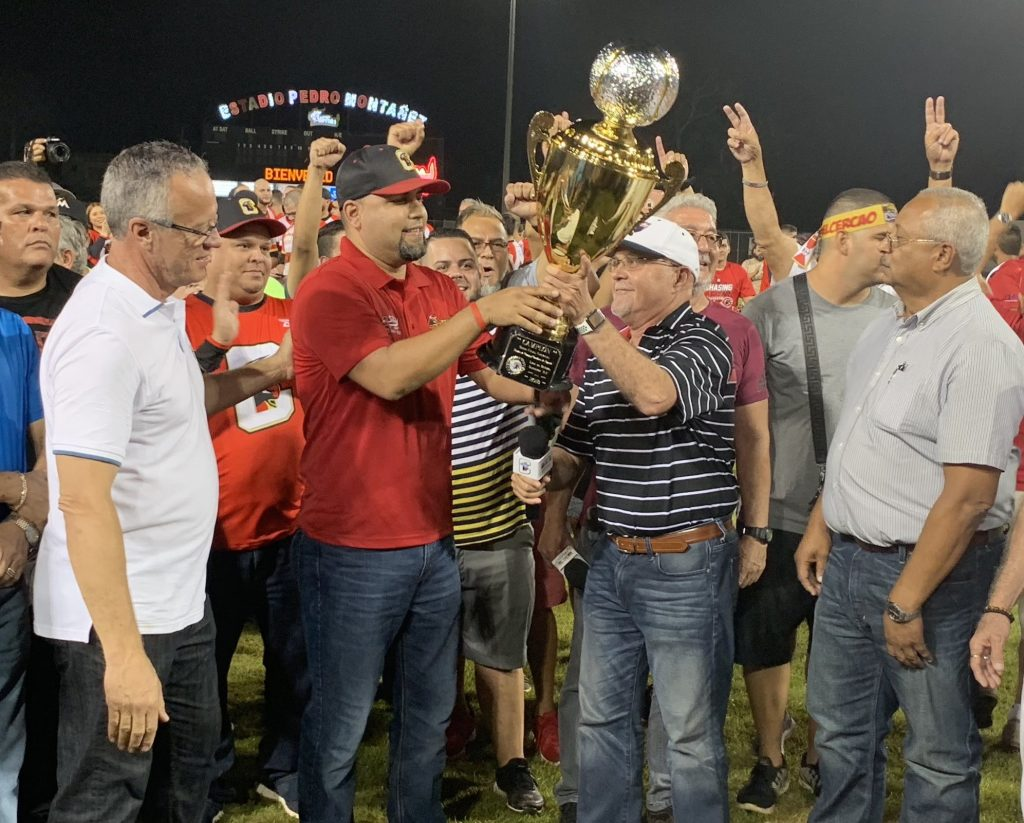 Toritos receive Championship Trophy