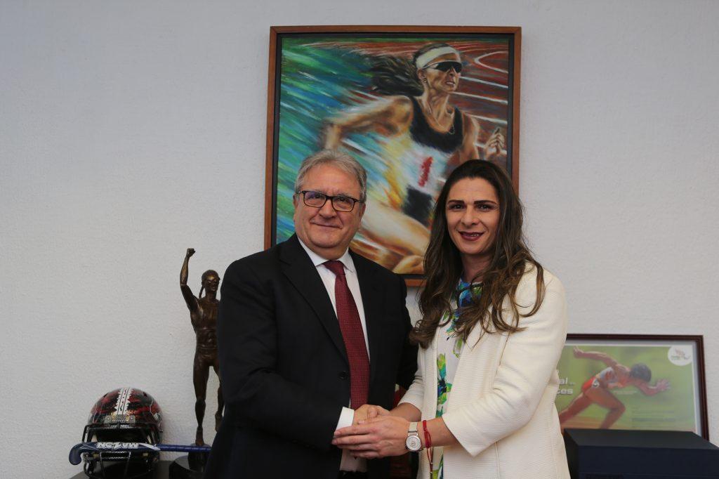 Ana Guevara with President Riccardo Fraccari